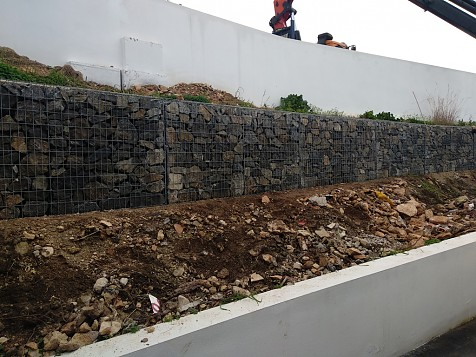 Black Stone Wall Gabion Placement